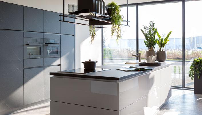 Hoogglans keuken   Systemat   Satink Keukens