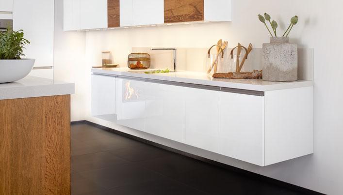 Witte zwevende keuken   Satink Keukens